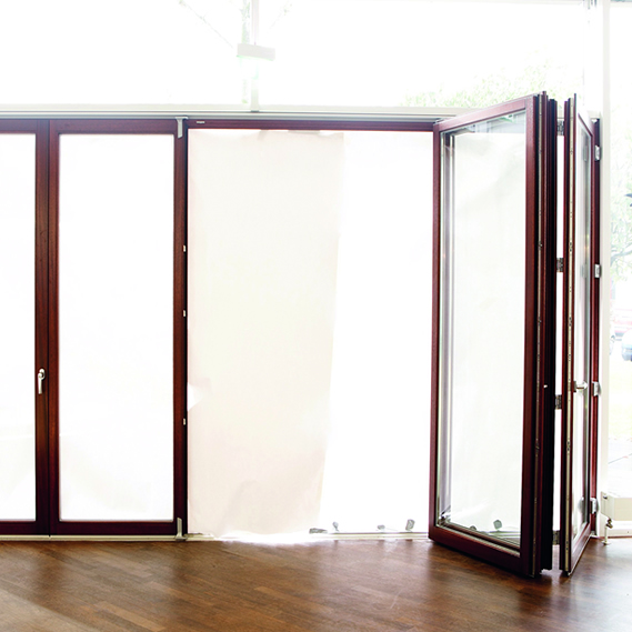 Plegable con umbral sin barreras - Catálogo Ventana